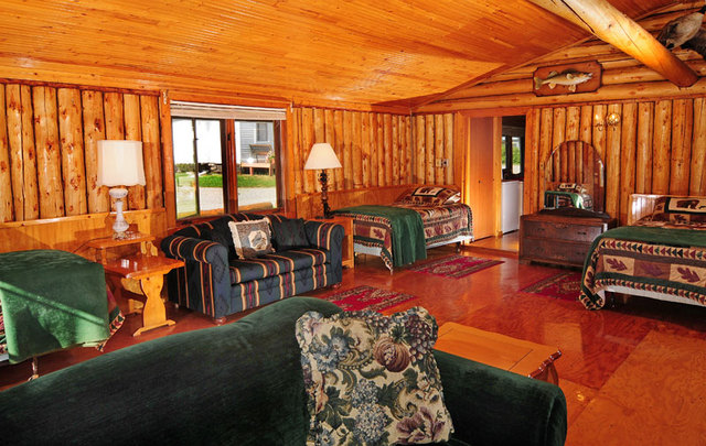 Cabin 9 Living Area